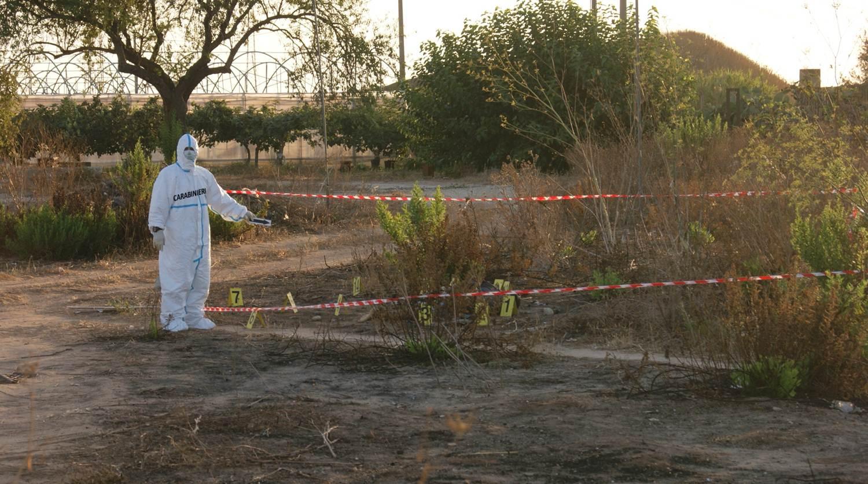 SCOGLITTI. Ucciso con una coltellata cittadino bengalese, indagano carabinieri