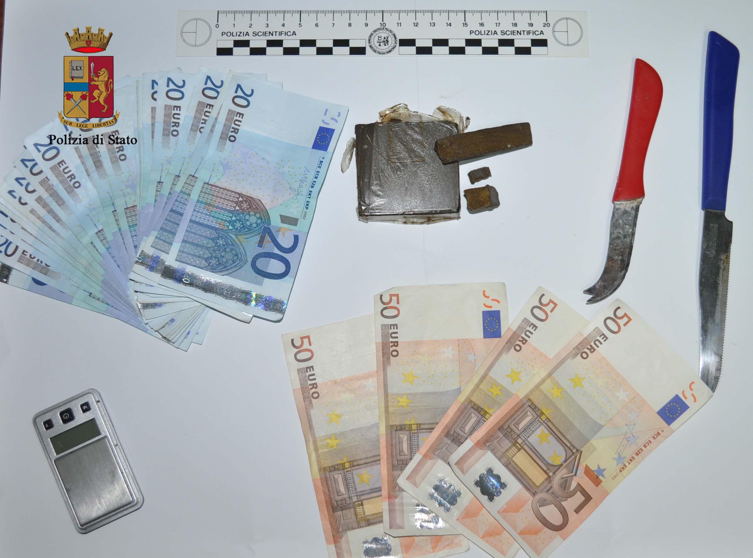 Imola. Contrasto allo spaccio di droga: due arresti, tre denunce e 20 kg di marijuana sequestrati