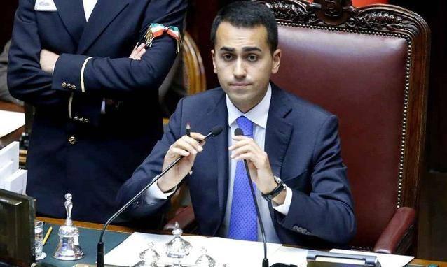 Il vice presidente della Camera Luigi Di Maio in visita a Caltanissetta il giorno del Santo Patrono