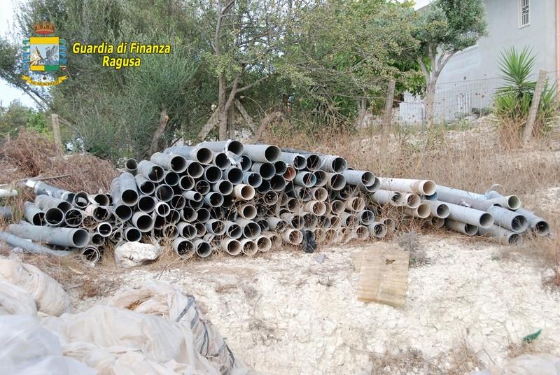 La GdF di Ragusa sequestra un'area di stoccaggio rifiuti abusiva