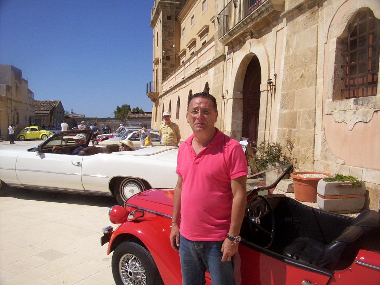Auto d'epoca al Castello di Acate