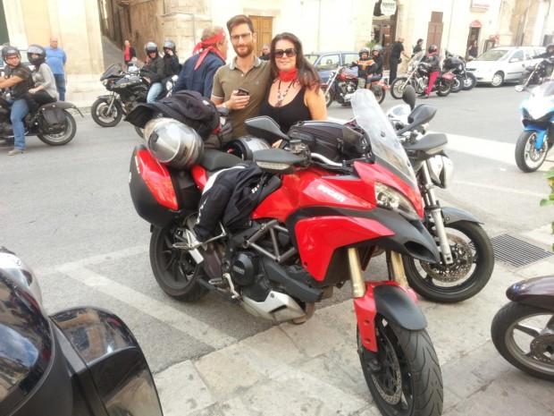 Salvo e Maria Bucchieri durante la visita al centro di Modica