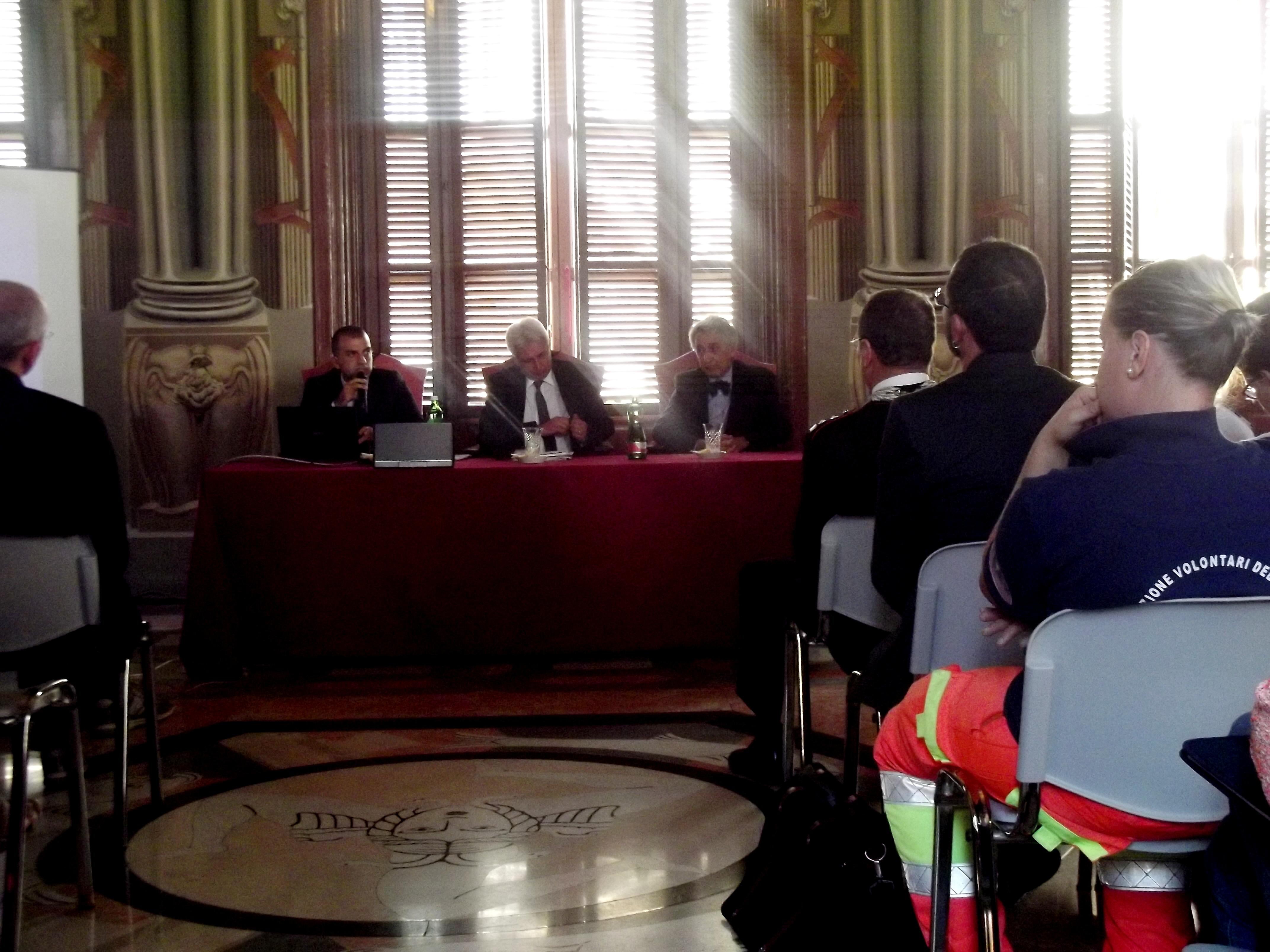 """Ragusa. Prefettura, presentato """"il piano di contingenza sanitario regionale migranti 2014"""""""