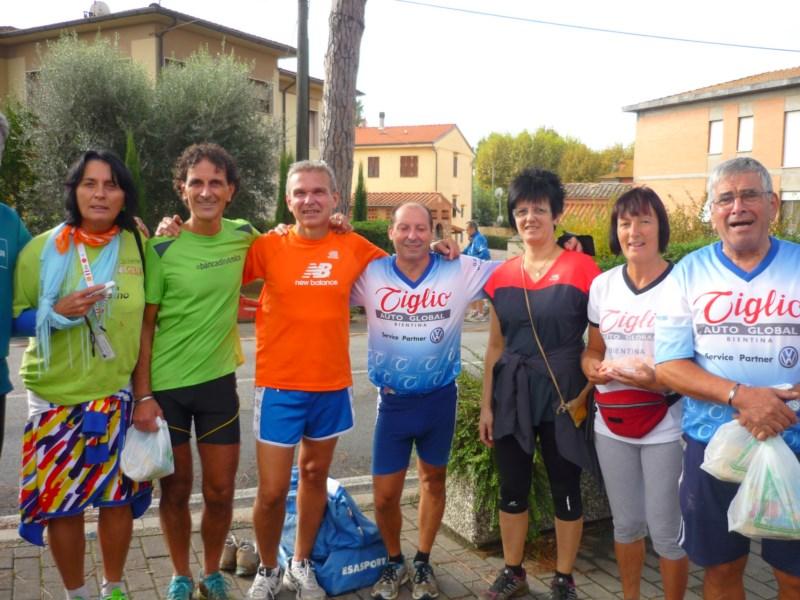 Marcia fra i boschi: a Calcinaia oltre 1100 podisti