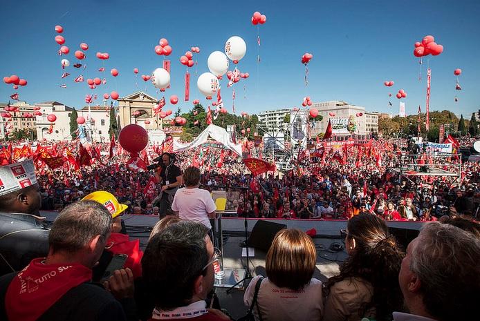 Un milione a piazza San Giovanni con la Cgil. Camusso: a Renzi chiediamo lavoro e diritti