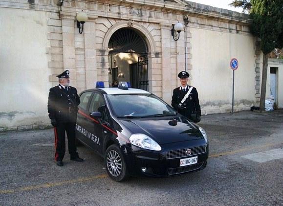 Tenta il suicidio:salvato dai carabinieri