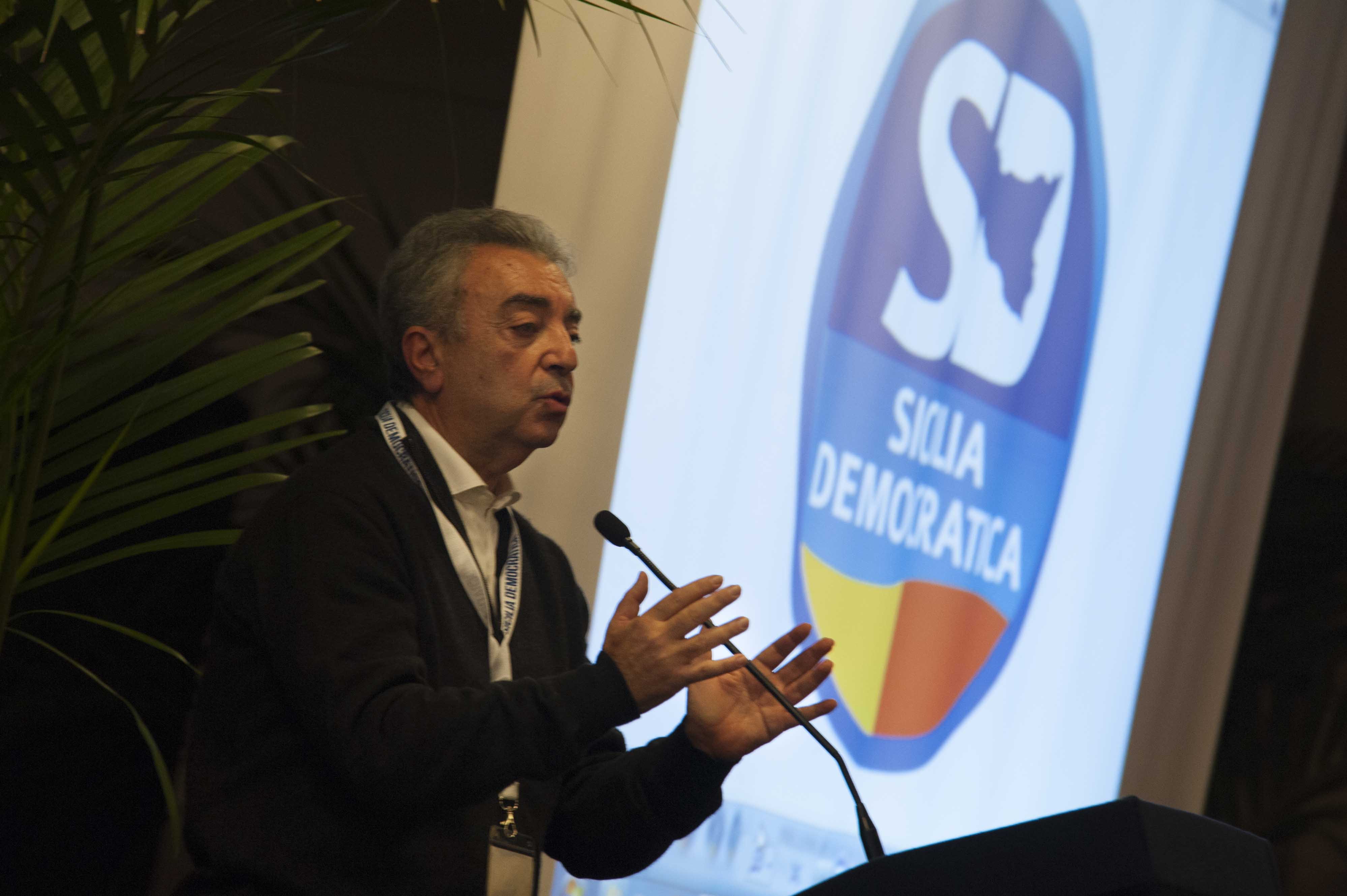 Sicilia Democratica, Leanza eletto per acclamazione segretario politico