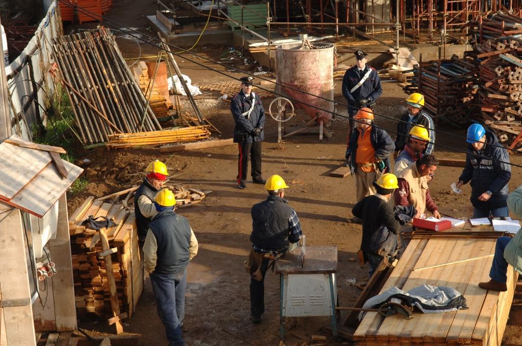 Controlli a tappeto sulle aziende del litorale romano dal 24 al 29 maggio; su 147 ispezionate, 99 sono risultate irregolari