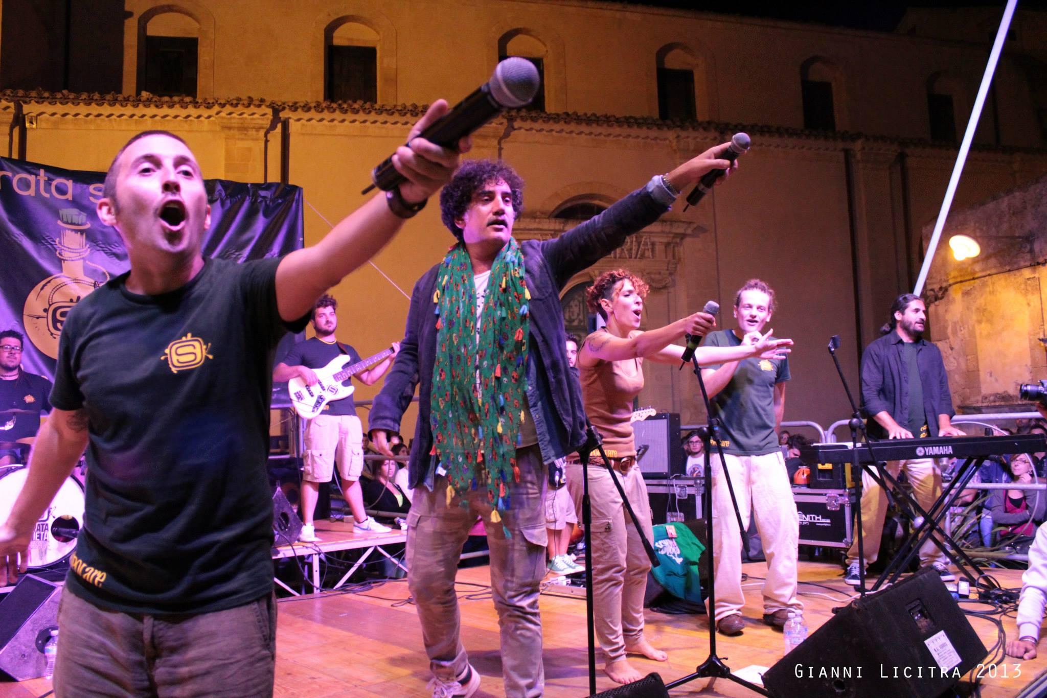 Ragusa, notte di San Silvestro in piazza San Giovanni con i Tinturia e l'Onorata Società