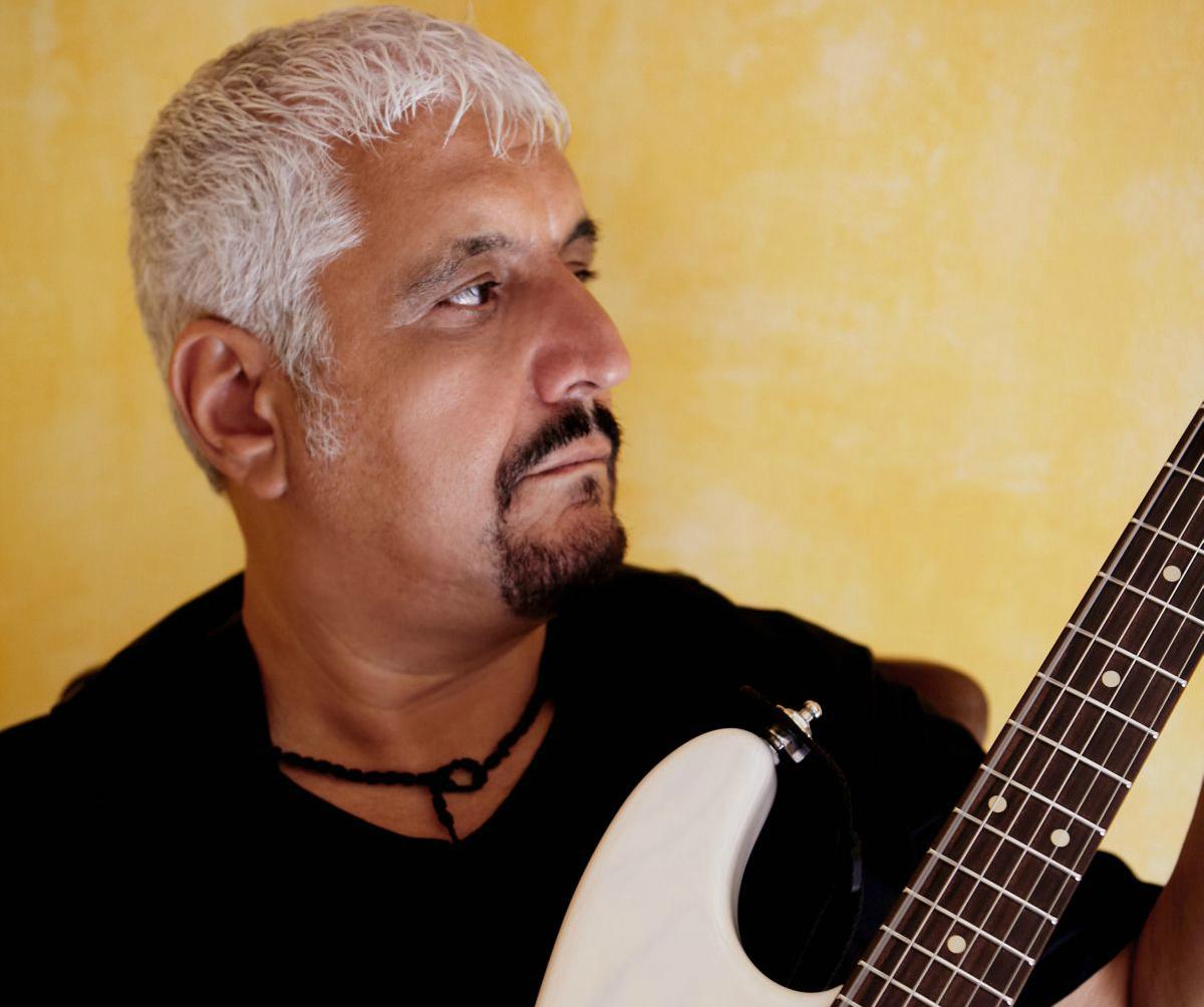 Un altro lutto per la musica: è morto il cantautore Pino Daniele