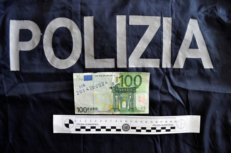 Vittoria. Cercava di spendere una banconota da 100 euro falsa ma è stato denunciato dalla Polizia