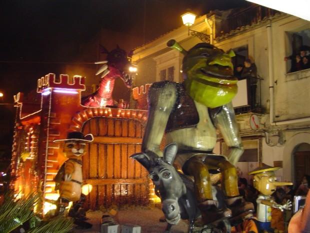 Carnevale a Chiaramonte uno dei carri delle passate edizioni
