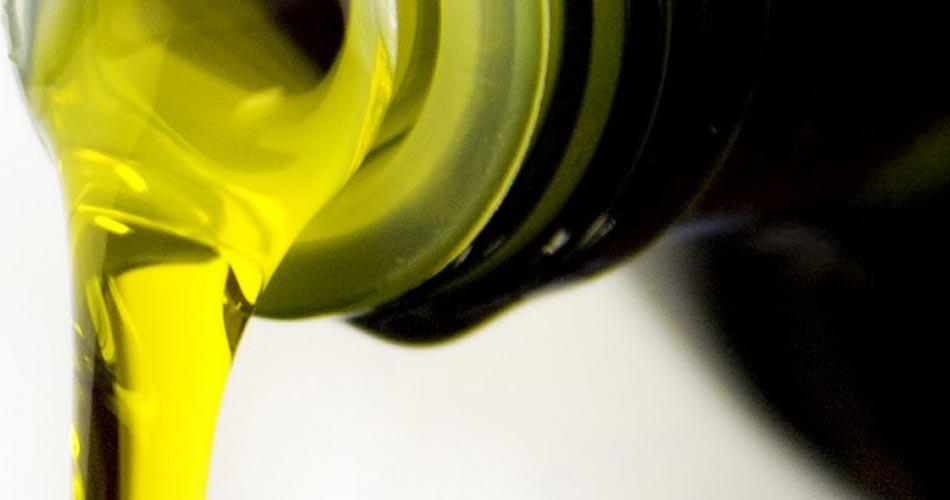 """Olio, etichettatura, M5S: """"Basta al consumo di oli vecchi, più trasparenza in etichetta"""""""