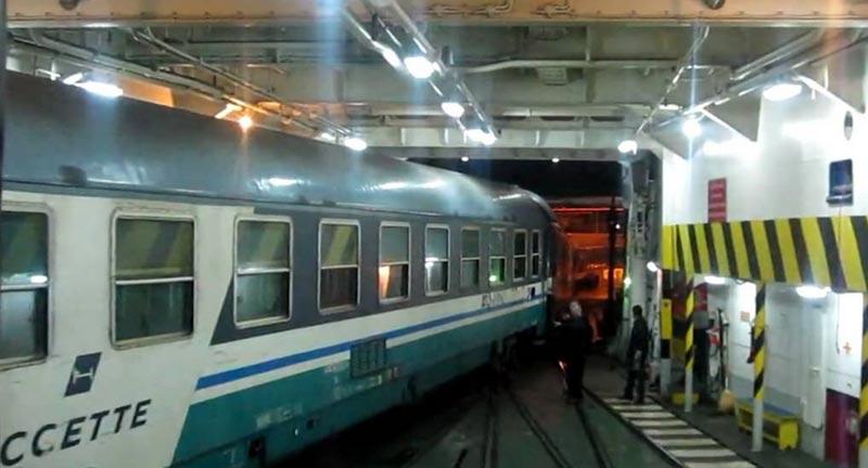 Arte, design e Teatro viaggiano in TGV verso Parigi (e ritorno) per raccontare la ricchezza della Milano culturale del 2016