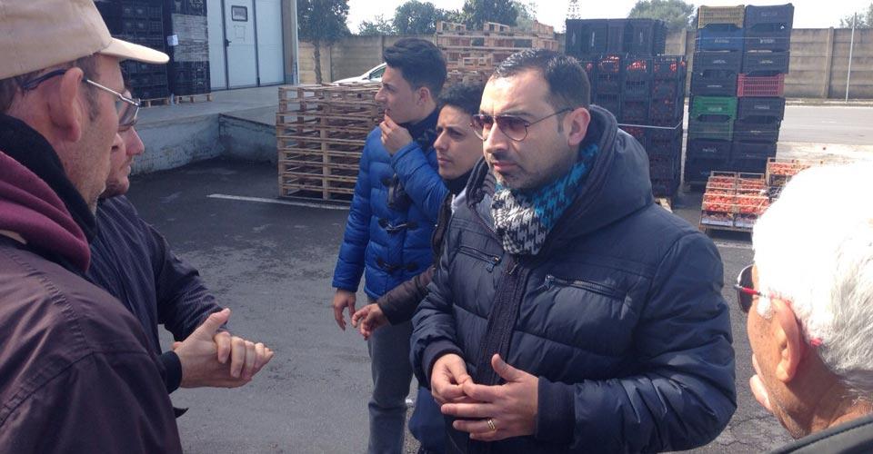 Sopralluogo del movimento Sviluppo Ibleo al mercato ortofrutticolo di Vittoria