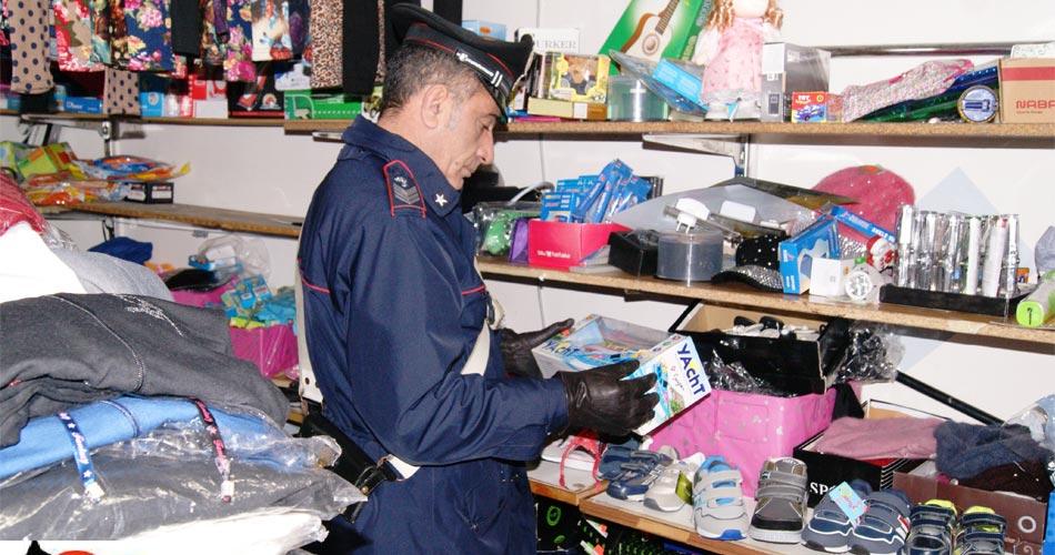 Scoglitti. Carabinieri denunciano 2 cinesi e sequestrano merce contraffatta per oltre 10.000 euro