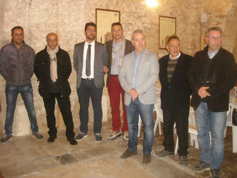 Acate. Scambio di auguri tra il nuovo presidente del consiglio comunale, Biagio Licitra ed il sindaco Raffo, la giunta comunale, i consiglieri ed i dipendenti comunali.