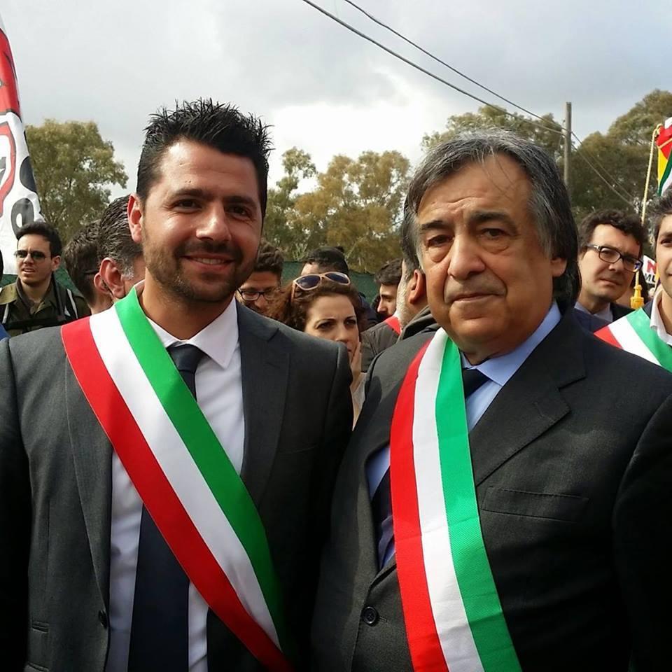 """Acate.  Anche il vicesindaco di Acate, Salvatore Li Calzi, alla manifestazione nazionale, """"No Muos"""" di Niscemi."""