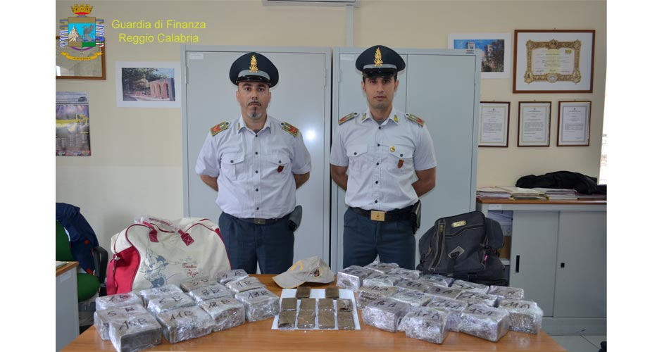 "Villa S. Giovanni. Sequestrati 30 kg di ""Hashish"": Arrestati due responsabili"