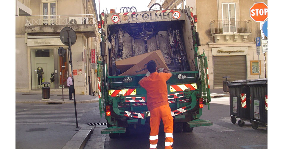 Dati raccolta carta e cartone a Ragusa diffusi dall'impresa ecologica Busso in occasione dell'inaugurazione del Palacomieco
