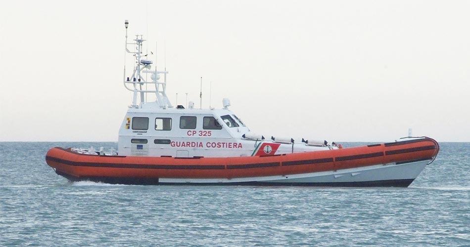 Sequestri e verbali per pesca abusiva nel porto di Pozzallo: Severi controlli da parte della Capitaneria di Porto