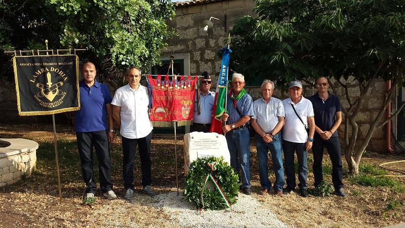 Sbarco in Sicilia, deposta una corona d'alloro  al Posto di Blocco 452 e a Camemi  in ricordo dei soldati italiani che persero la vita il 10 luglio 1943