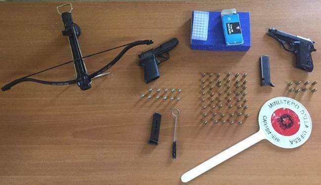 Caserta. Due arresti da parte dei carabinieri per detenzione illegale di armi.
