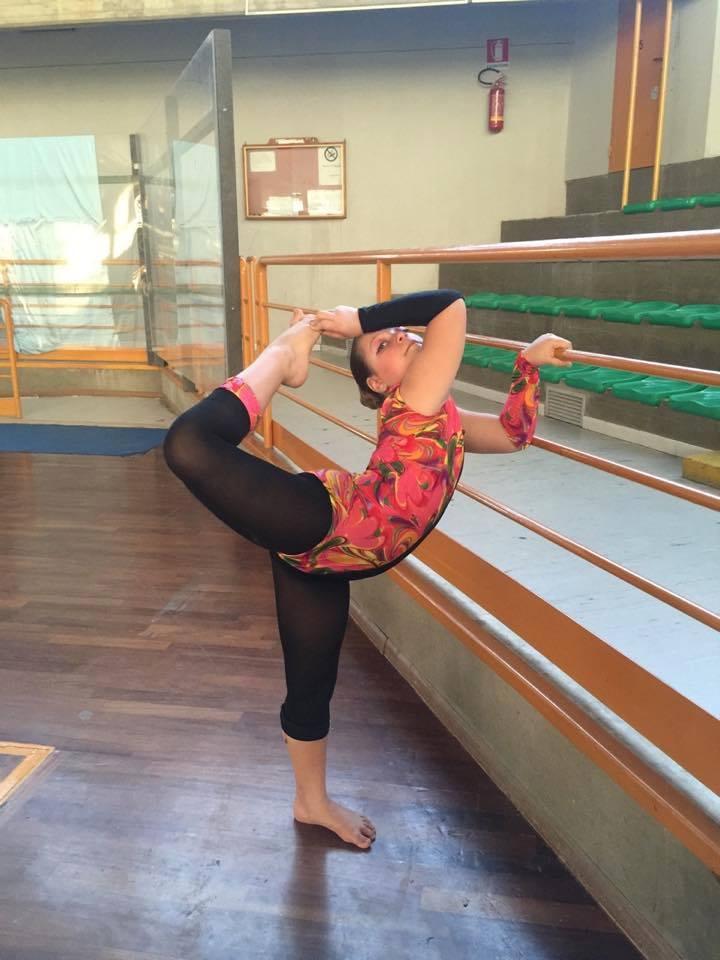 Acate. Straordinaria esibizione a Siracusa di una giovanissima ballerina originaria di Acate.