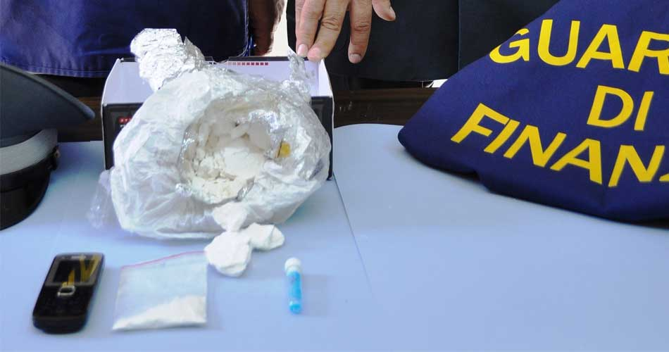 Catania. Arrestato corriere della droga: Sequestrato mezzo chilo di cocaina
