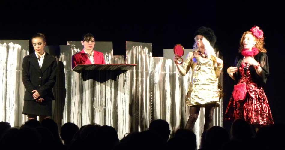 """Teatro. Ritorna la rassegna """"Palchi DIVersi"""": Anteprima divertente nel fine settimana a Ragusa"""