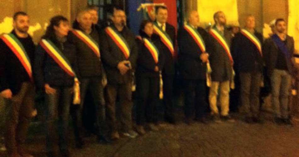 Bracciano: istituzioni in piazza per il popolo francese