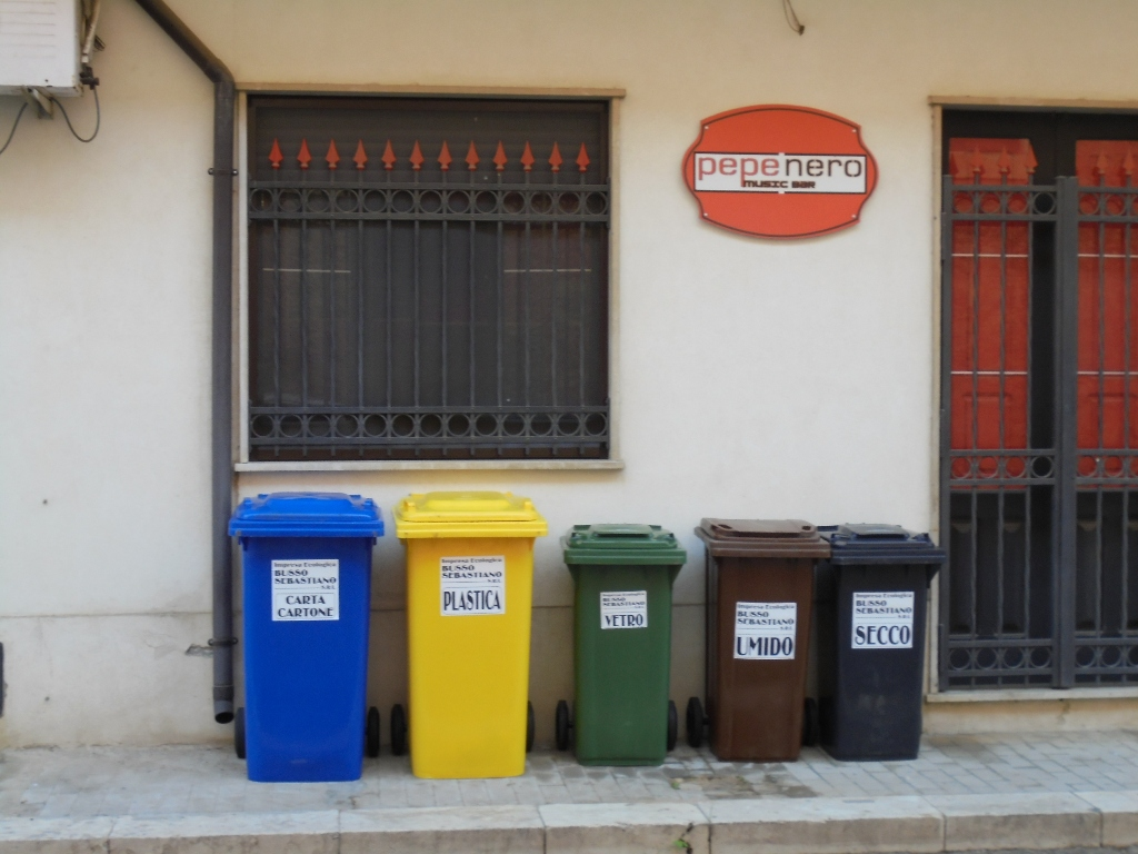 Catania rinasce: Lunedì 11 gennaio inizia il secondo step della raccolta differenziata porta a porta: Guida