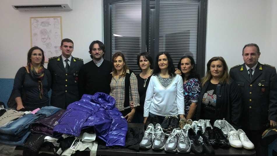 Barcellona Pozzo di Gotto. La GdF dona alla Caritas capi di vestiario sottoposti a sequestro