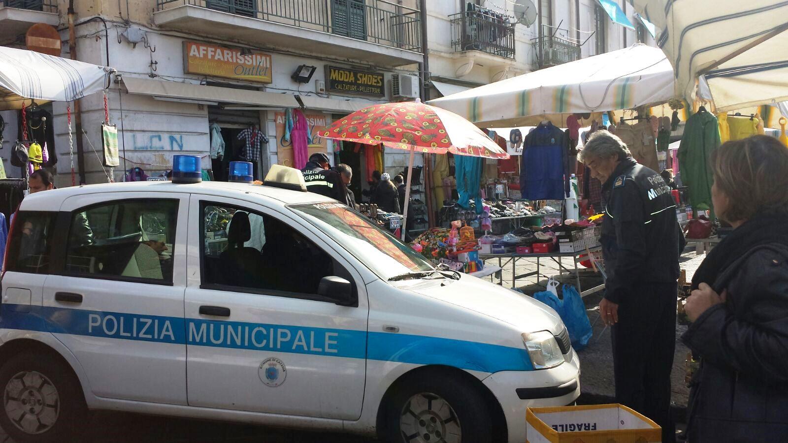 Vittoria. Polizia municipale, giro di vite contro l'abusivismo commerciale