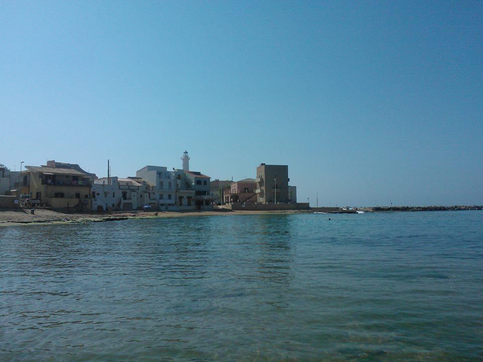 Luoghi di Montalbano, Claudia Moretti dedica una poesia a Punta Secca