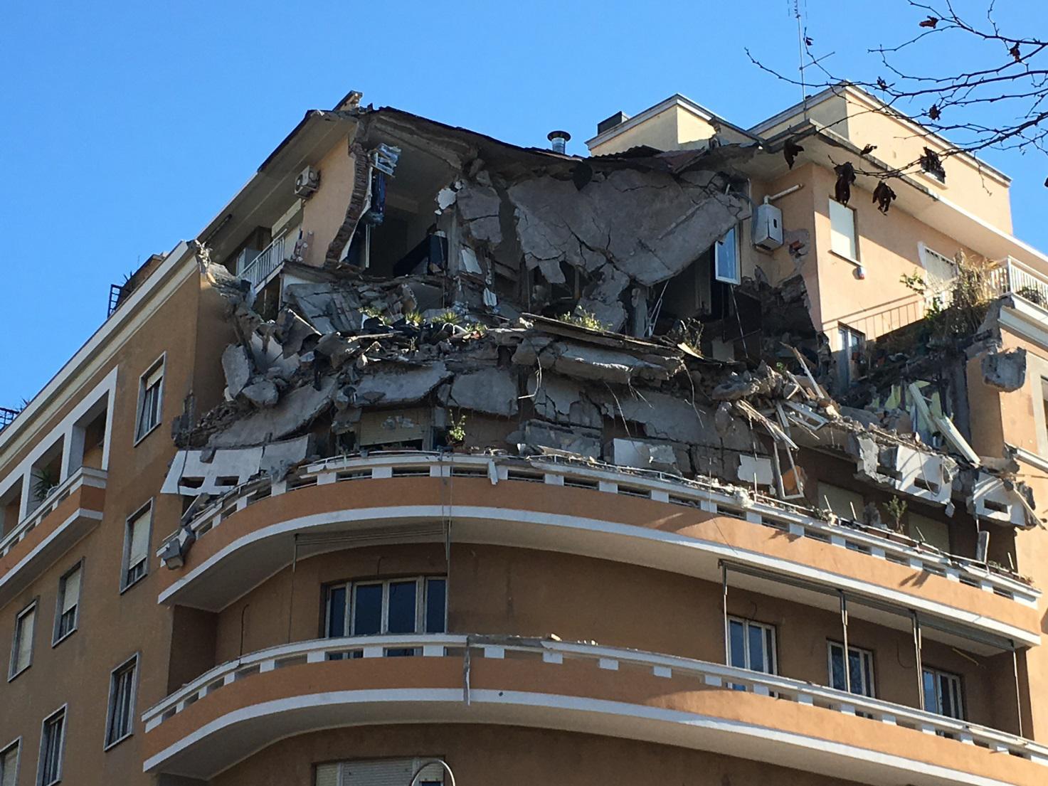 """Roma, Crollo sul Lungotevere. Federarchitetti: """"Ripristinare fascicolo di fabbricato"""""""