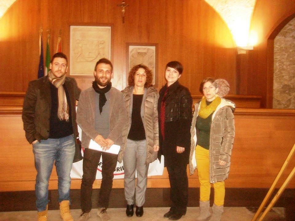 Acate. Conferenza stampa del Movimento 5 Stelle per illustrare la mozione di sfiducia nei confronti del sindaco.