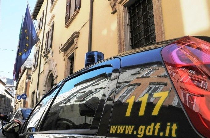 "Operazione ""Rosso d'uovo"": Sequestrati beni per 4 milioni di euro. Denunciate 4 persone"