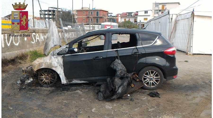 Incendio dell'autovettura di Roberta Macrì: Individuato e denunciato dalla Polizia il responsabile