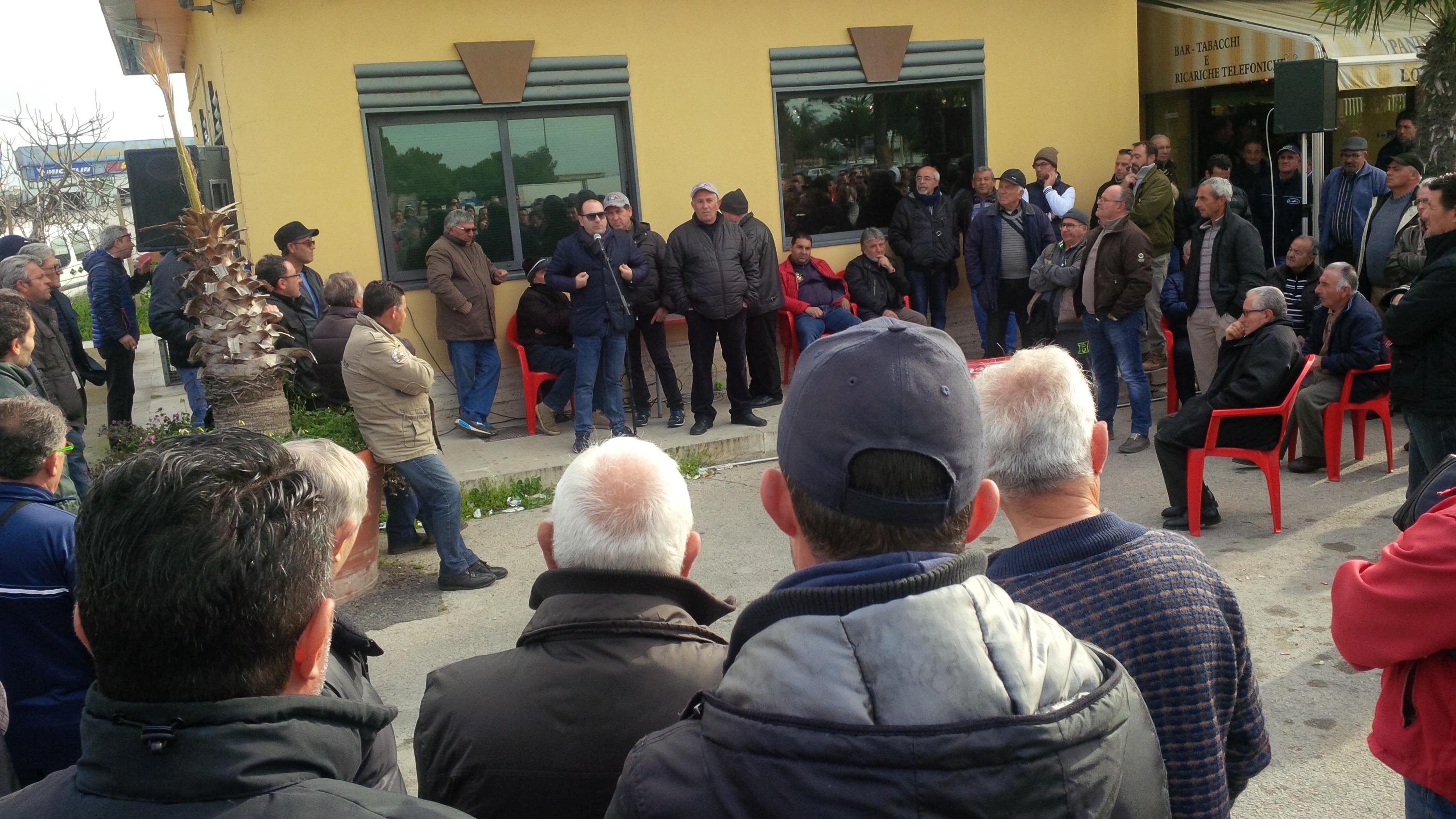 Europa: pugno di ferro con l'Italia, ma mette sullo stesso piano le eccellenze ortofrutticole siciliane con fake Nord Africani