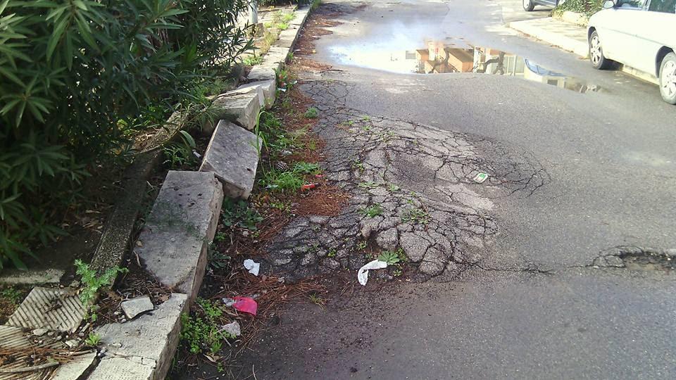 """Vittoria. Sallemi (#selaamilacambi): """"Via Virgilio Lavore all'abbandono: arteria pericolosissima"""""""