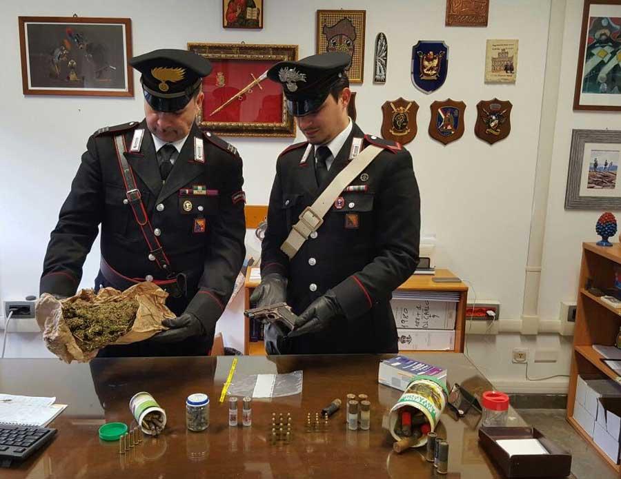Operazione quattro.zero: I carabinieri rinvengono una pistola, droga e centinaia di cartucce