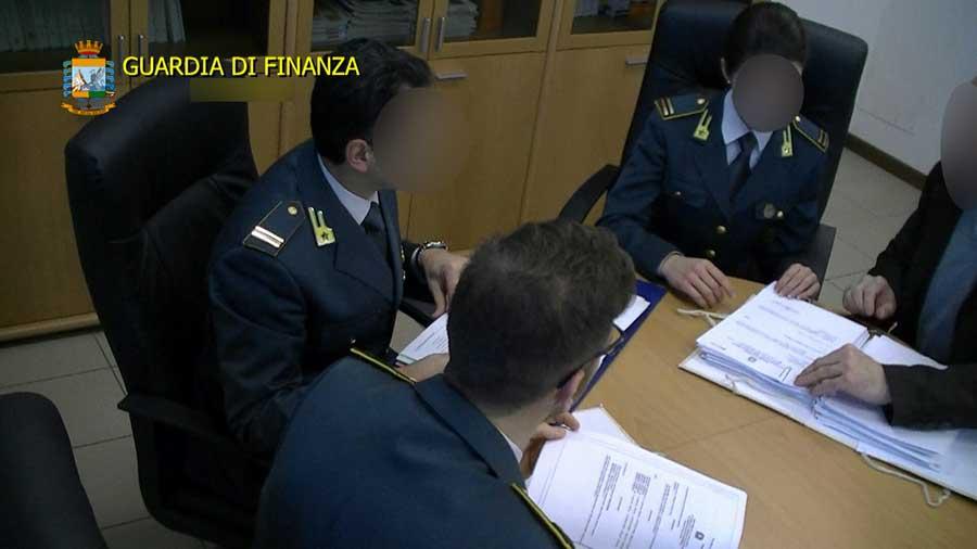 """Operazione """"Ghost"""": Corsi fantasma finanziati dall'UE ed appalti irregolari scoperti dalla GdF: Denunciate 59 persone"""
