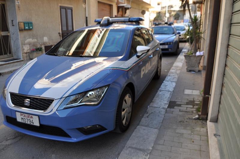 I poliziotti del Commissariato di Adrano arrestano un rapinatore