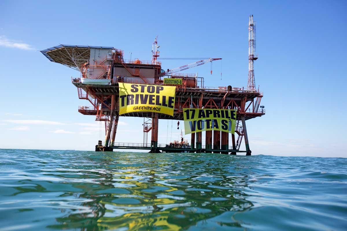 Referendum trivelle. Greenpeace: Dodici grandi artisti italiani in difesa del mare