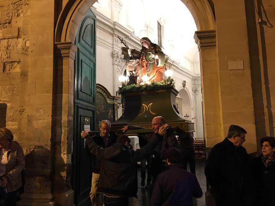 Settimana Santa a Ragusa Ibla. Ieri nel quartiere barocco le prime tre processioni delle confraternite che si rifanno a una tradizione del 1400