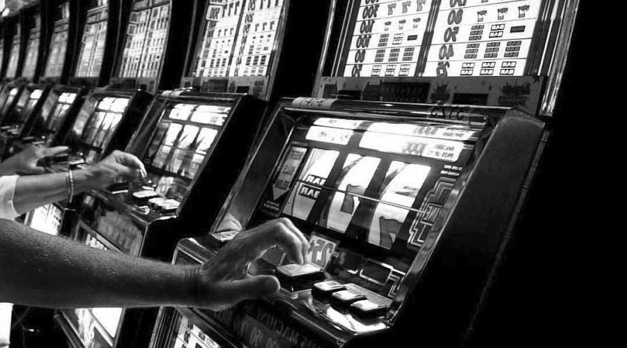 Arrestati 2 romeni che depredavano le slot machine