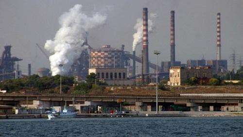 Taranto. Ilva, superati di 40 volte valori di diossina. M5S richiede audizione urgente di Galletti ed Emiliano