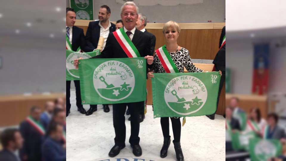"""Vittoria. Ritirata la bandiera verde per Scoglitti. Fiorellini: """"Prossima tappa, la bandiera blu"""""""