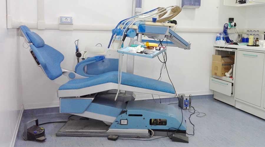 Palma Campania. Scoperto falso dentista e sequestrato studio odontoiatrico abusivo